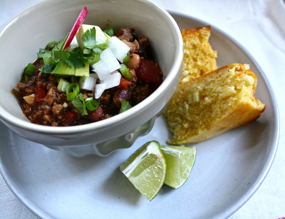 chili, buttermilk cornbread